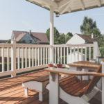 Foto Veranda mit Holzmöbel